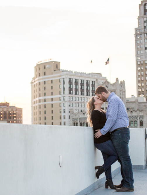 Downtown-Detroit-Engagement-Photographer-Belle-Isle-28