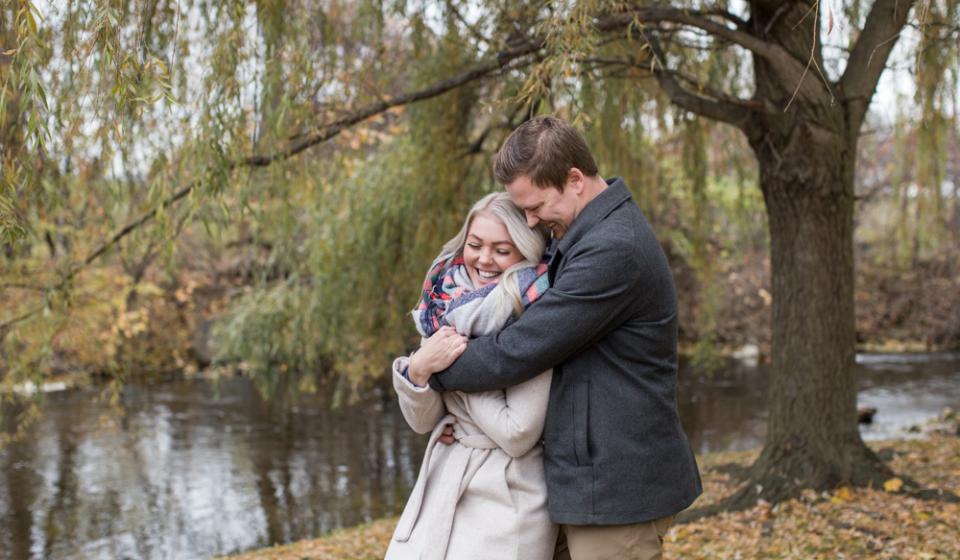Fenton-Michigan-Engagement-Photographer-13